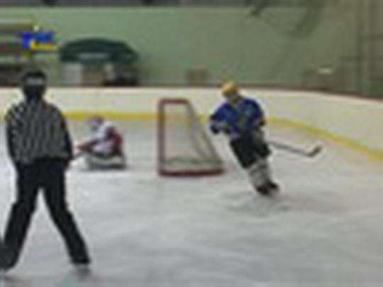 Ženský hokej na zimním stadionu