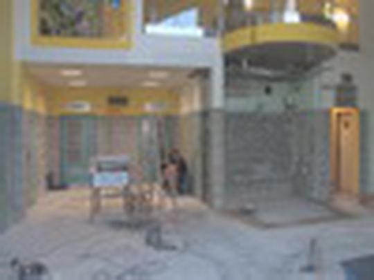 Modernizují vestibul aquacentra
