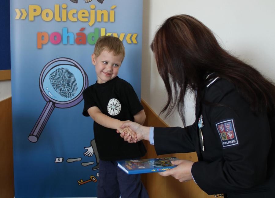 Policejní pohádky do knihoven