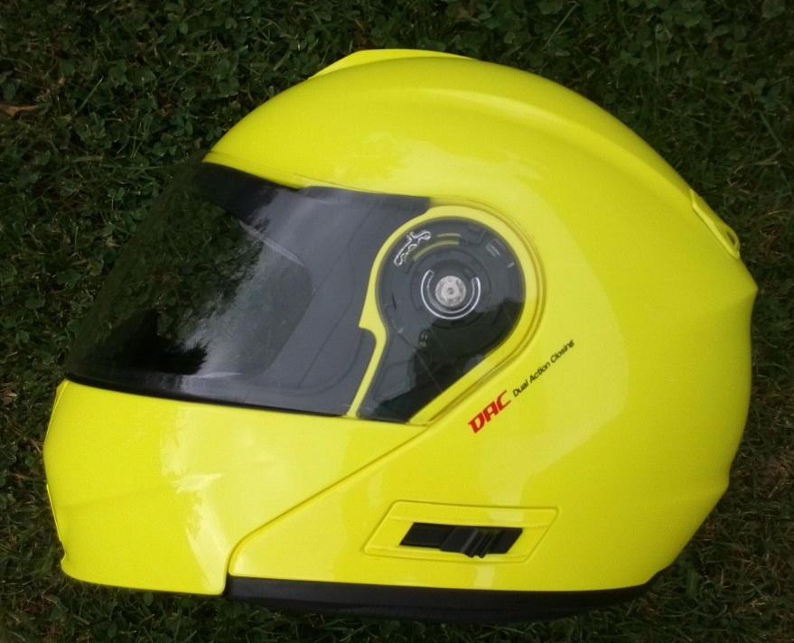 Stačí mi na skútru, jehož nejvyšší možná rychlost je omezena na 30 km/h, klasická cyklistická helma nebo musím mít helmu na normální motocykl?