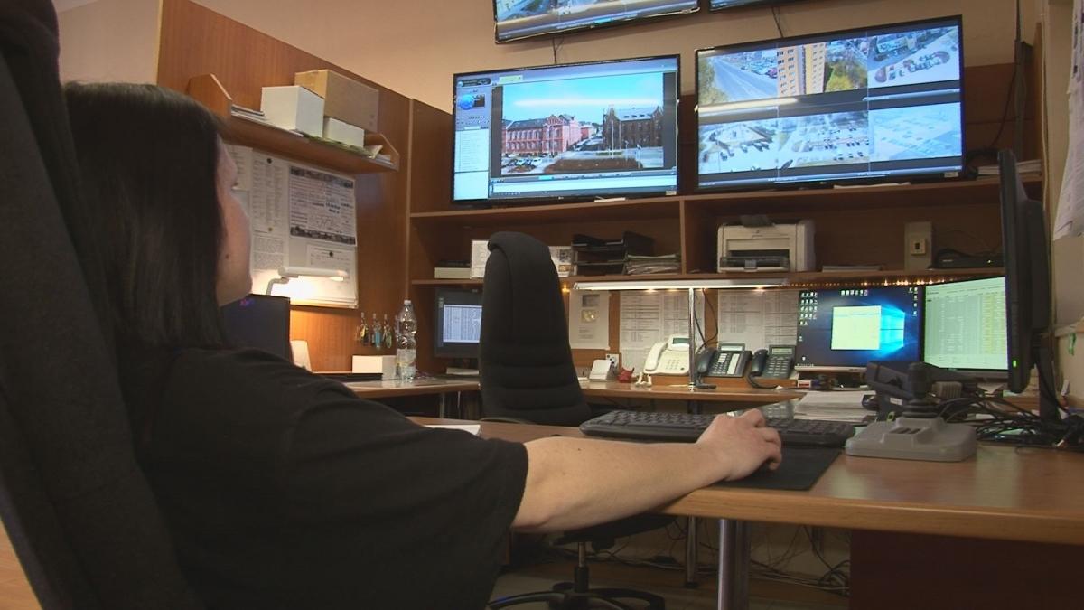 Operátor policejních kamer dohlédne na větší bezpečnost v ulicích