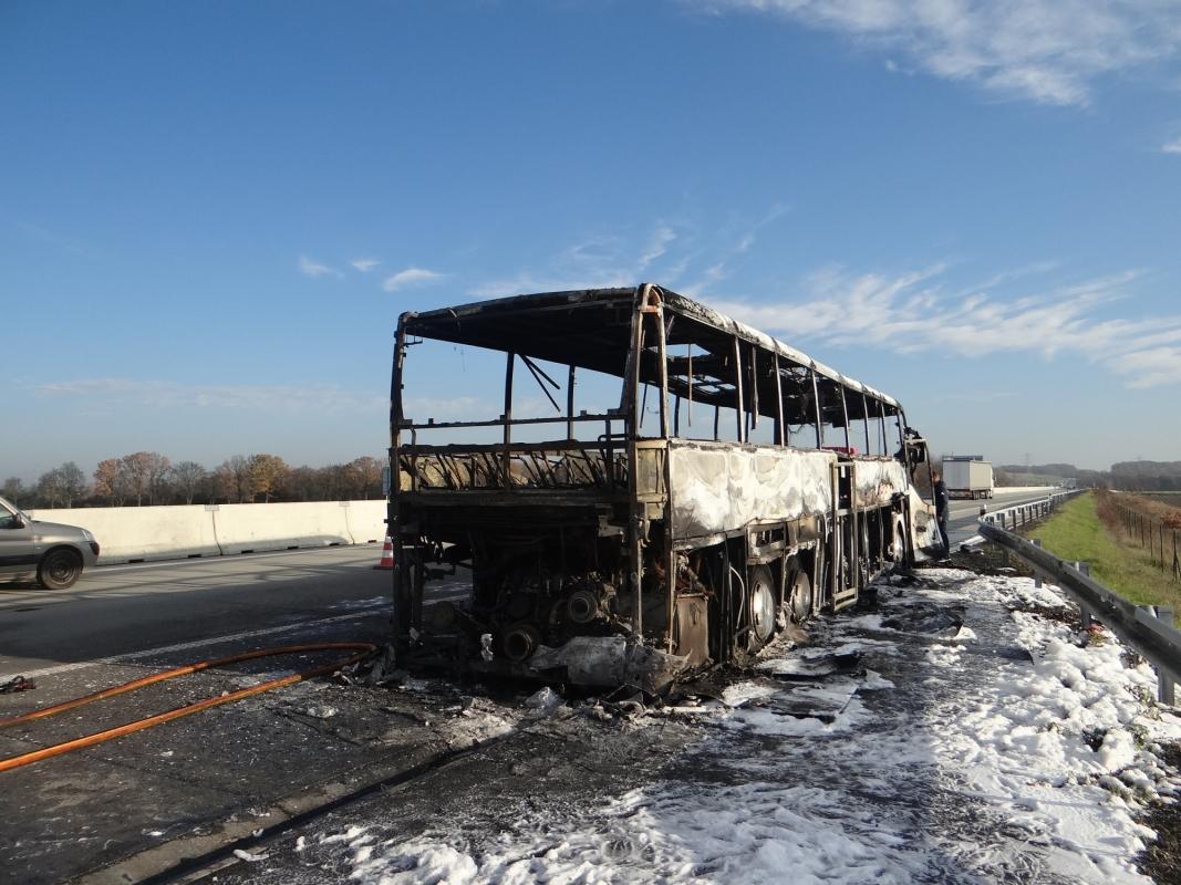 Požár polského autobusu na dálnici D1 u Polska se škodou 3 miliony korun