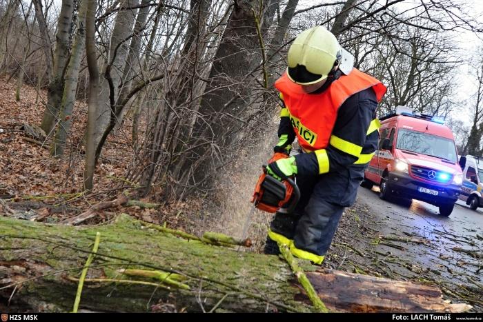 V Moravskoslezském kraji už přes 240 výjezdů kvůli Sabine, ta zatím slábne