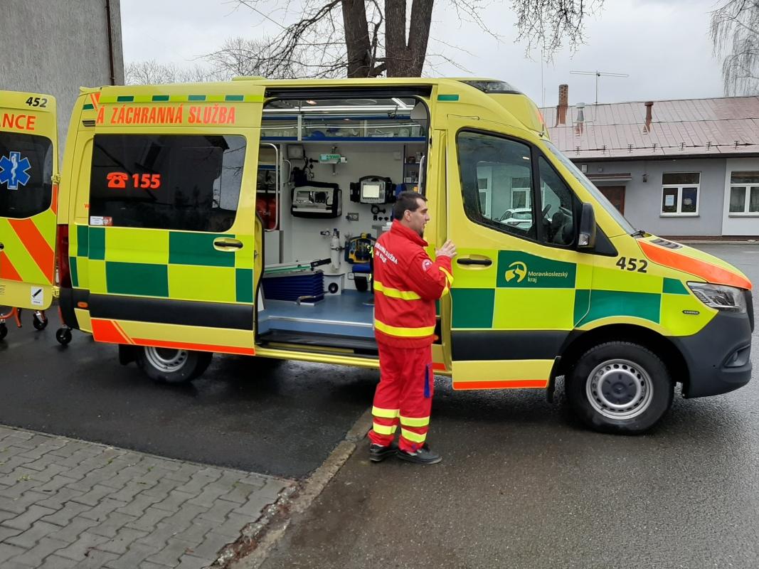 Zdravotníkům a záchranářům říkejte pravdu, nezatajujte informace