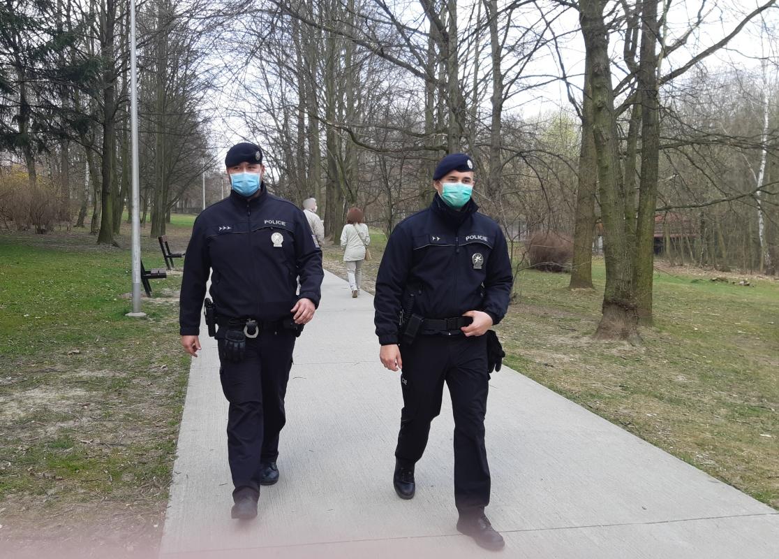 Policisté v kraji o víkendu kontrolovali dodržování vládních nařízení