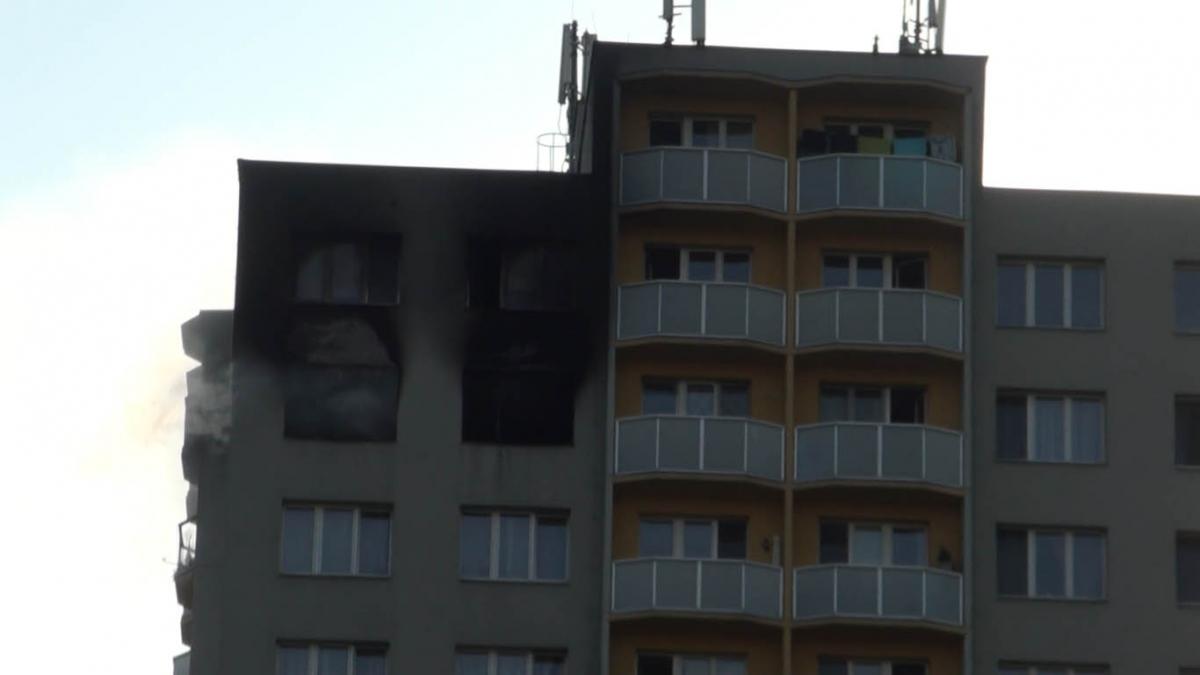 Tragédie na sídlišti v Novém Bohumíně, při požáru zahynulo 11 lidí, zveřejňujeme info pro nájemníky paneláku