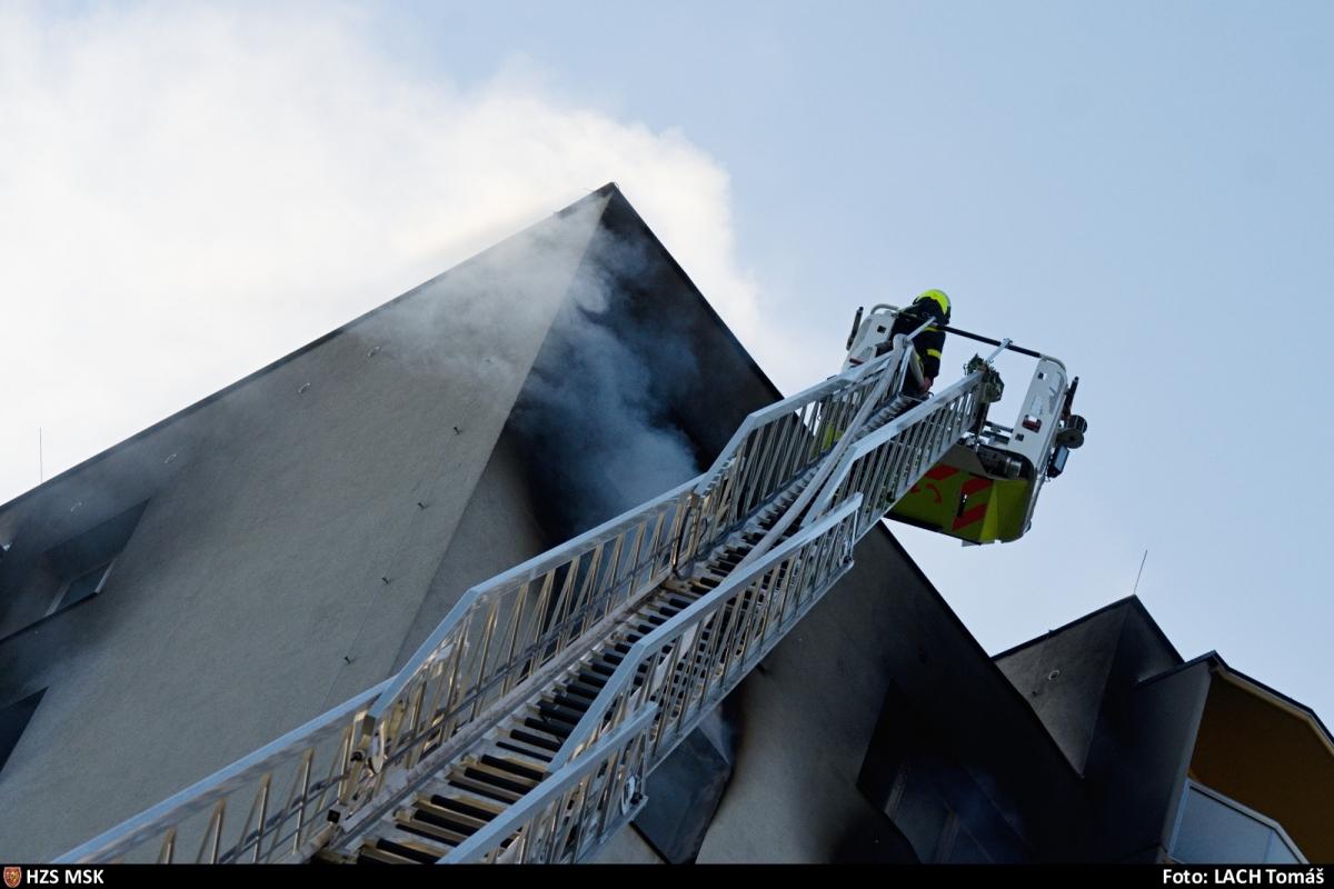 Hasiči zveřejnili podrobnosti k zásahu u požáru s tragickými následky