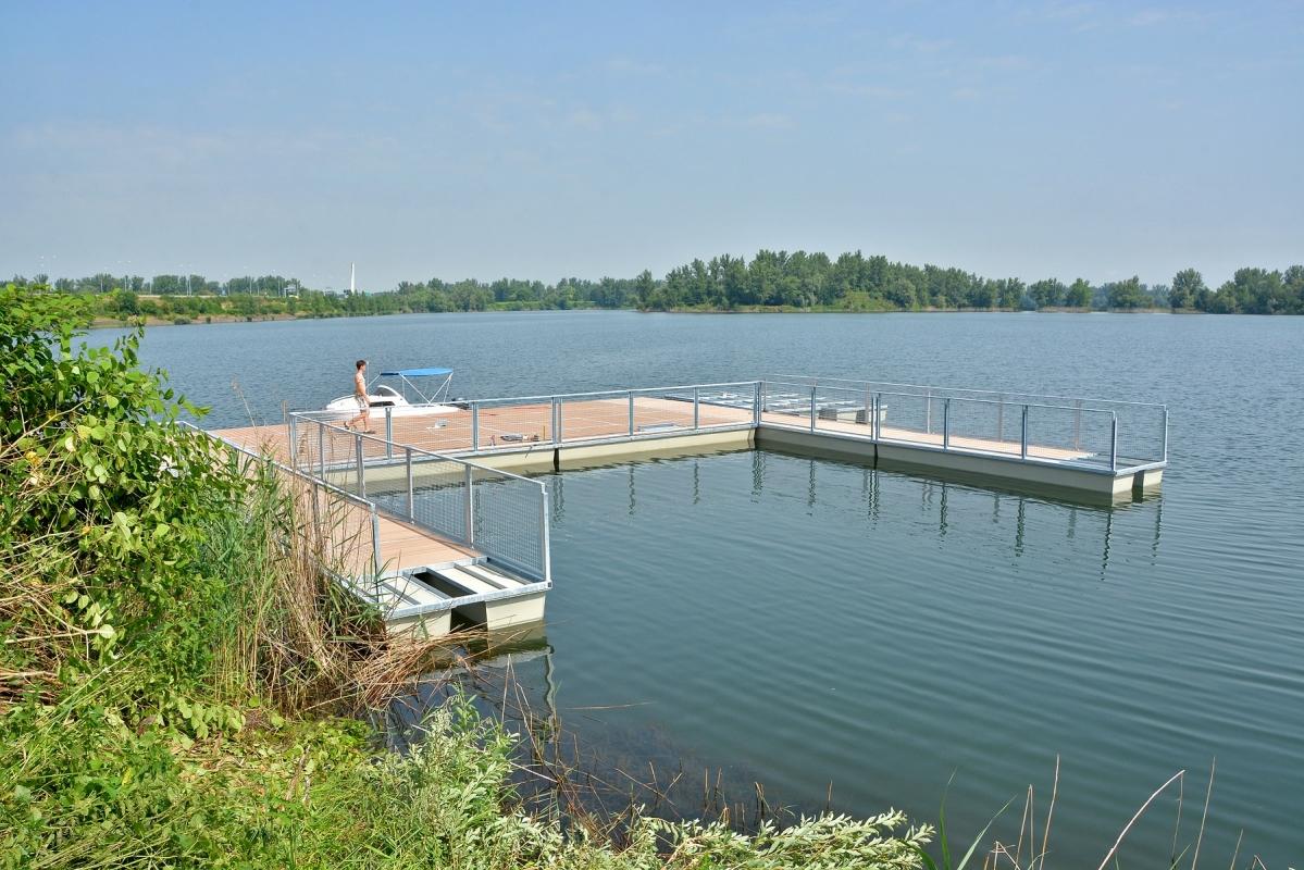 Sinice zhoršily kvalitu vody ve Vrbickém jezeře, hygienici stav sledují