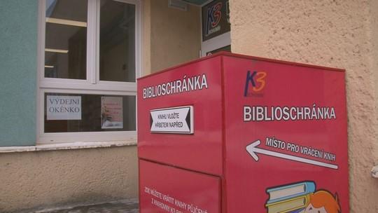 Knihovna v obnoveném zázemí otevřela výdejní okénko