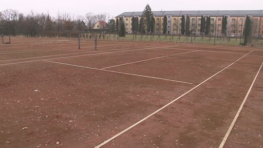 Tenisových kurtů v Bohumíně se ujímá sportovní Bospor