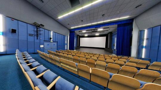 Kino K3 Bohumín - kinosál - Zobrazit virtuální prohlídku