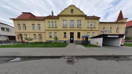 Knihovna K3 ve Skřečoni - budova - Zobrazit virtuální prohlídku