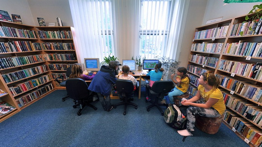 Knihovna K3 ve Skřečoni - interiér - Zobrazit virtuální prohlídku