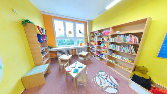 Knihovna K3 - dětské oddělení - čítárnička pro nejmenší - Zobrazit virtuální prohlídku