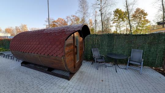 Aquacentrum - saunový svět - sudová sauna Díogenés a whirlpool - Zobrazit virtuální prohlídku